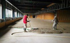 Réalisation d'une chape isolante à base de PSE type Greenbead LL/LE dans un immeuble de bureaux à Olen